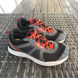 Running shoes for boys (youth)